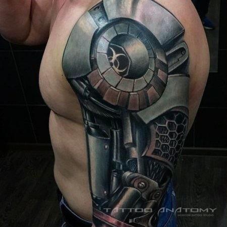 Мужское тату в стиле Биомеханика