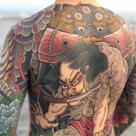 Мужское тату в китайском стиле на спине