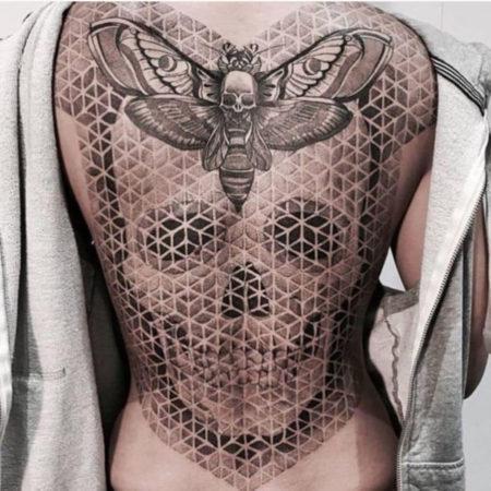 Женское объёмное тату в стиле 3D череп