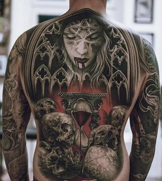 Мужская татуировка на всю спину в стиле стимпанк
