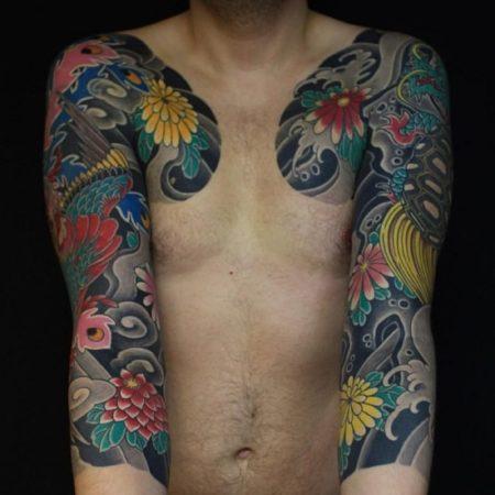 Мужские тату на руке цветное