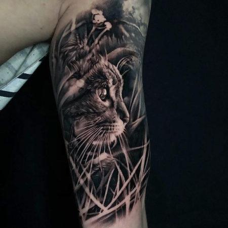 Тату в стиле Black gray на руке кот