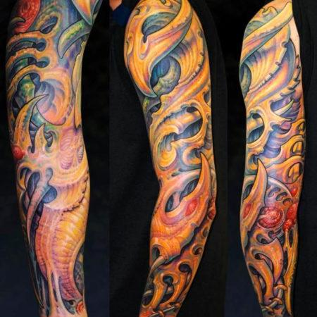 Мужское тату в стиле органика рукав