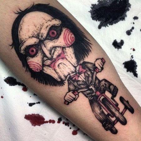 Мужское тату в стиле хоррор на ноге