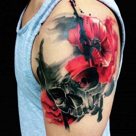 Мужское тату в стиле треш полька цветок череп