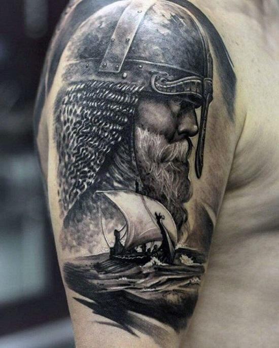Тату черное белое в стеле реализм богатырь и ладья на воде на плече